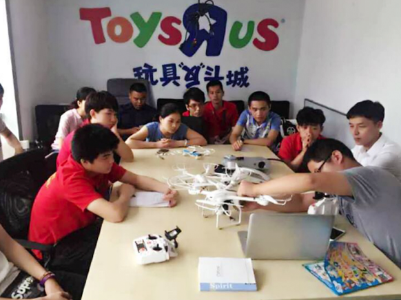 MJX RC Hold Drone Training Course for Teenagers at TRU China Shenzhen office